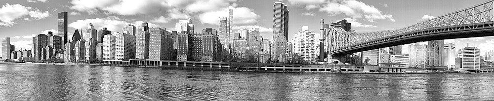 Panoramic view of Manhattan skyline from Roosevelt Island, New York City.