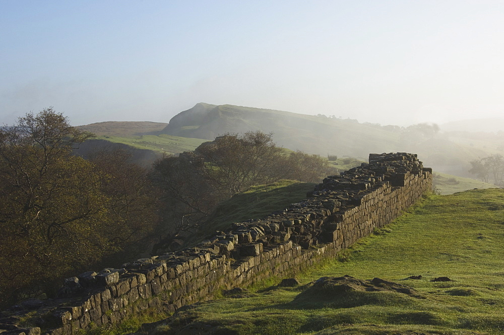 Walltown Crags looking east, Hadrians Wall, UNESCO World Heritage Site, Northumberland, England, United Kingdom, Europe