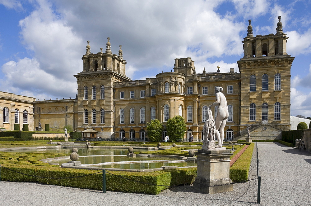 The Water Garden and garden wing, Blenheim Palace, Oxfordshire, England, United Kingdom, Europe