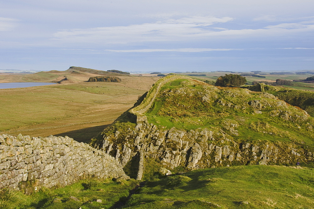 Eastwards from Hotbank Crags, Hadrians Wall, UNESCO World Heritage Site, Northumbria National Park, Northumberland, England, United Kingdom, Europe