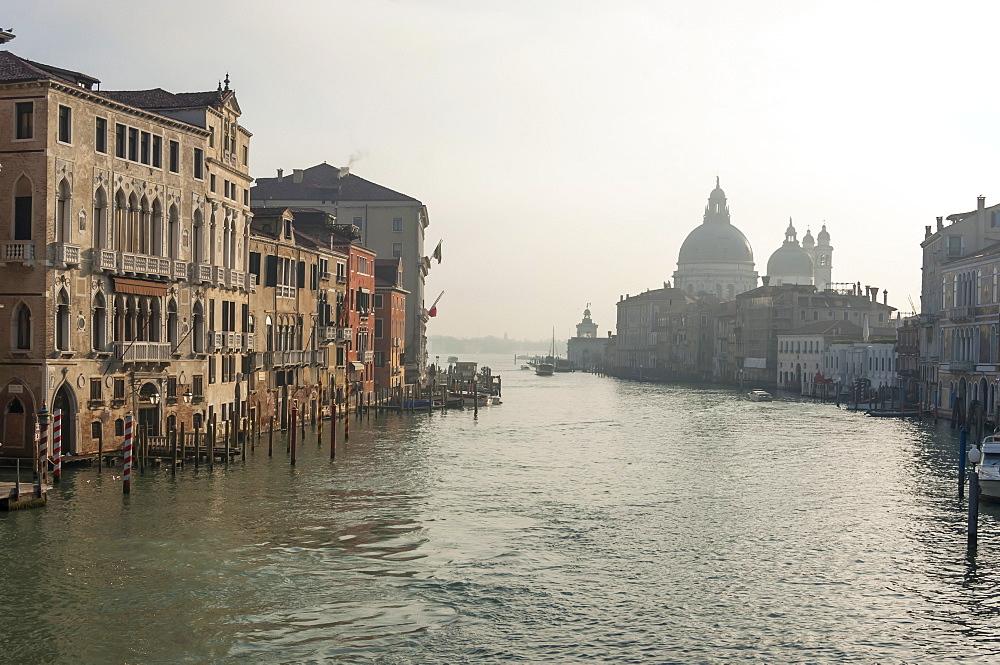 Morning, Chiesa Delle Salute, Grand Canal, Venice, UNESCO World Heritage Site, Veneto, Italy, Europe