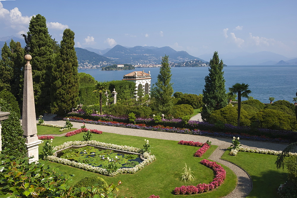 Lily pond, Isola Bella, Borromean Islands, Stresa, Lake Maggiore, Italian Lakes, Piedmont, Italy, Europe - 747-1811