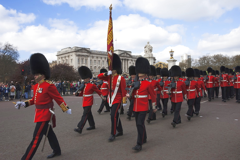 Coldstream Guards parading en route to Buckingham Palace, London, England, United Kingdom, Europe - 747-1865