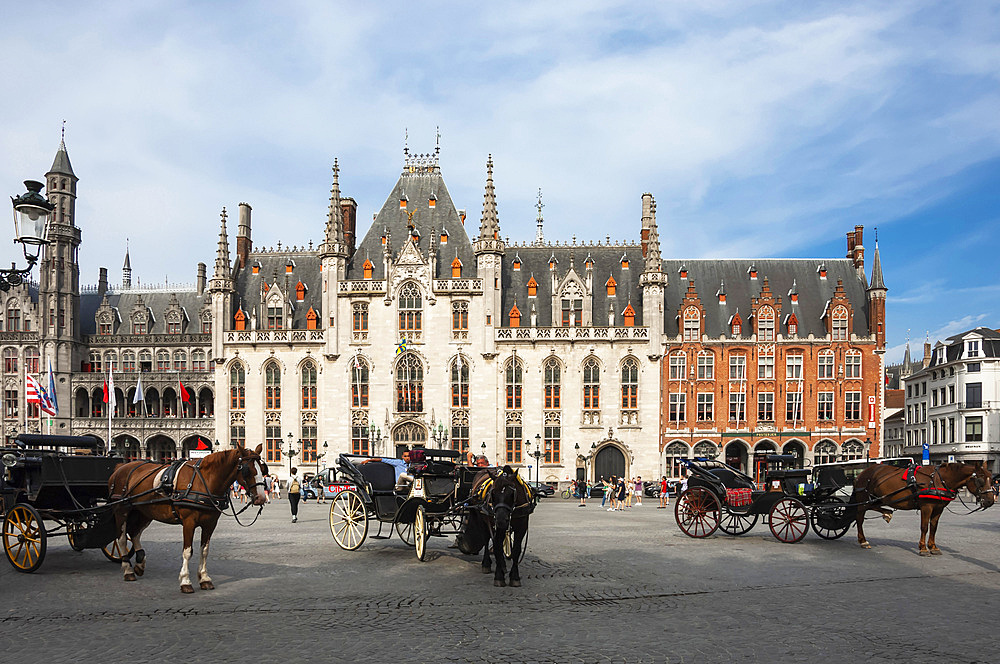 Market Square, Horse Drawn Carriages, Bruges, UNESCO World Heritage Site, West Flanders, Belgium, Europe