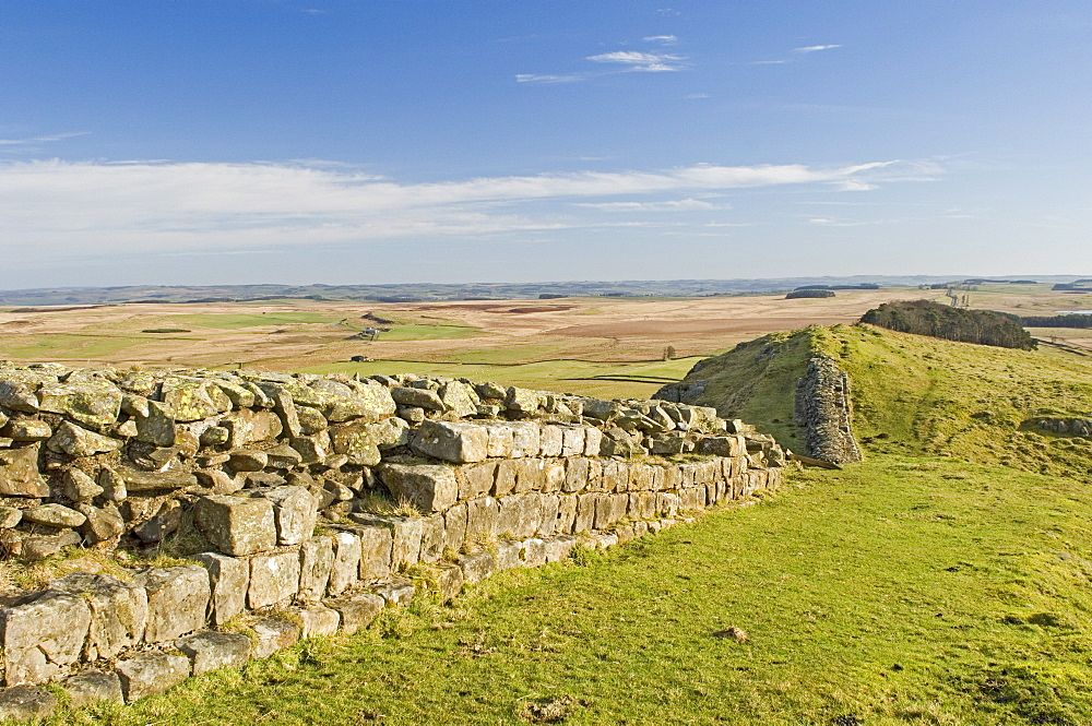 Looking east from Sewingshields Crag, Hadrians Wall, UNESCO World Heritage Site, Northumbria, England, United Kingdom, Europe