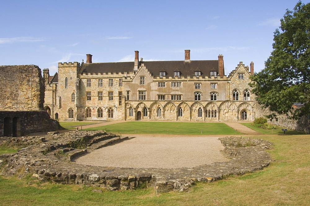 Battle Abbey precinct, site of Battle of Hastings 1066, Battle, Sussex, England, United Kingdom, Europe