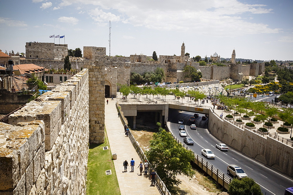 The Old City walls, UNESCO World Heritage Site, Jerusalem, Israel, Middle East