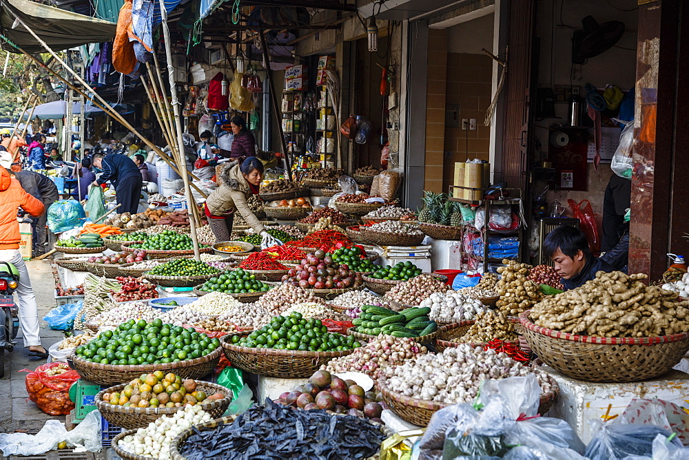 Market in the old quarter, Hanoi, Vietnam, Indochina, Southeast Asia, Asia