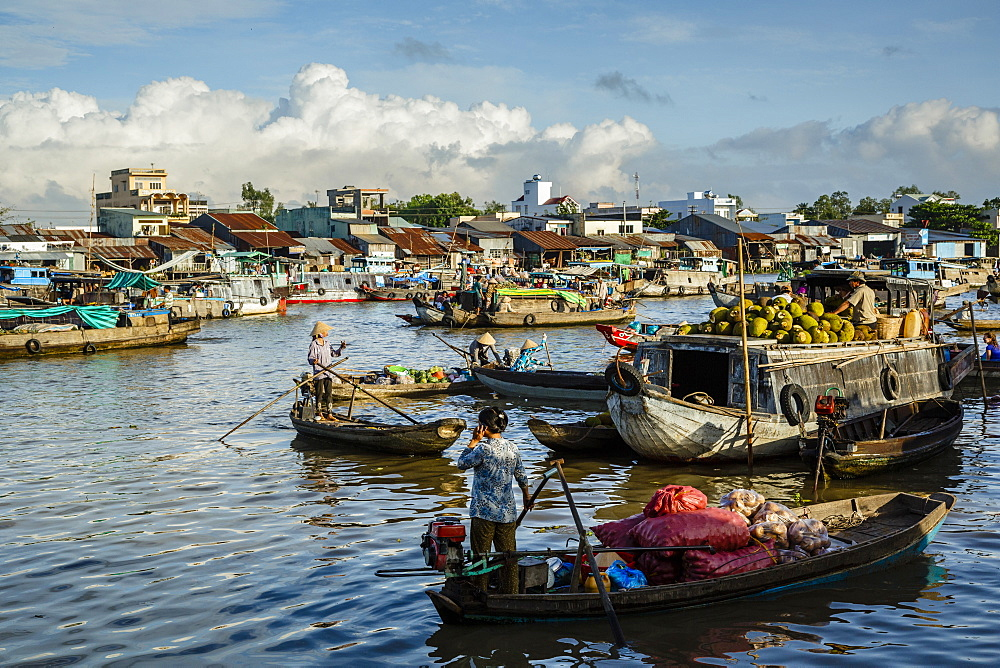 Cai Rang floating market at the Mekong Delta, Can Tho, Vietnam, Indochina, Southeast Asia, Asia