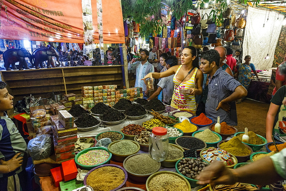 Spice shop at the Saturday Night Market, Goa, India, Asia
