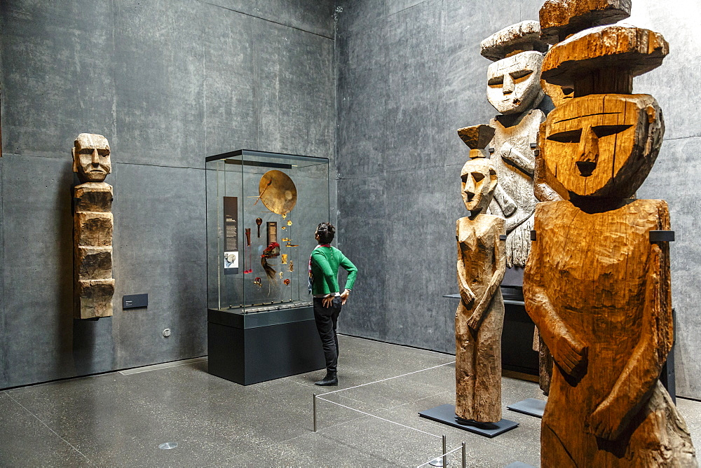 Wooden Mapuche burial statues at the Museo Chileno de Arte Precolombino, Santiago, Chile, South America