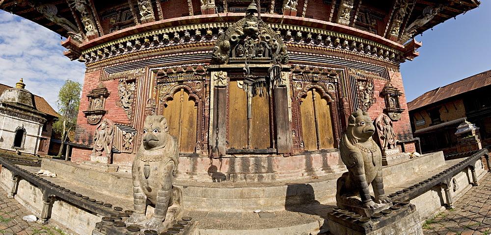 High quality stone carvings, some dating back 1500 years, Changu Narayan, Kathmandu valley, Nepal, Asia