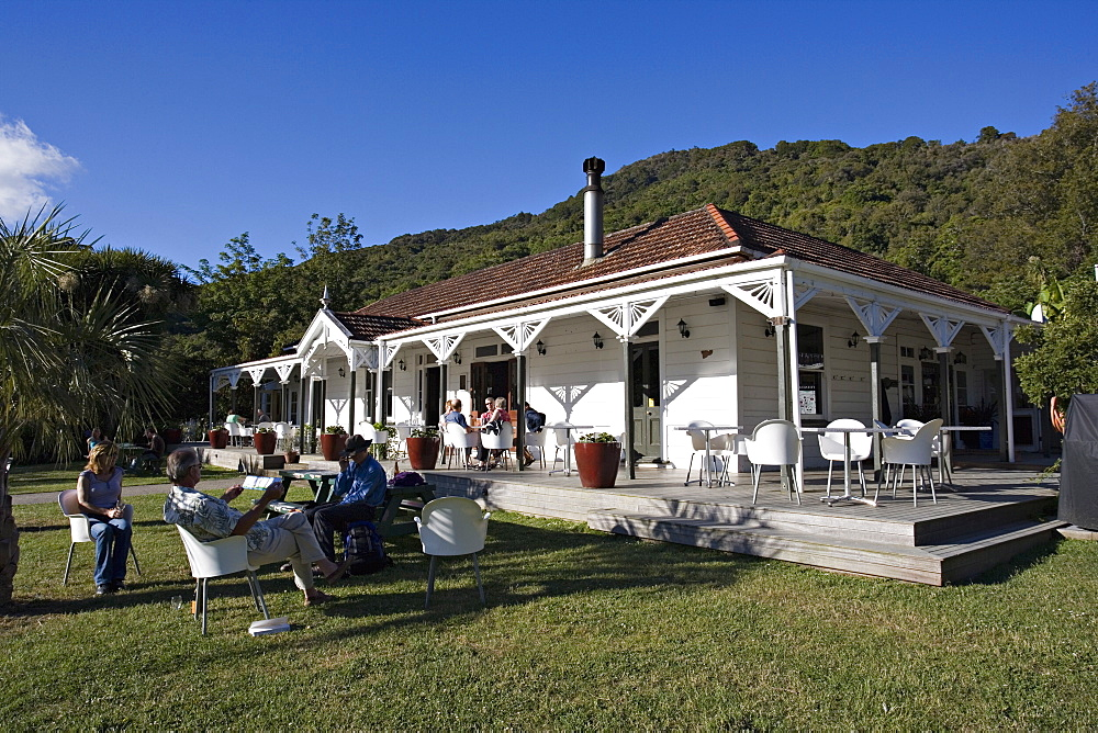Furneaux Lodge, hotel and restaurant, Marlborough Sounds, South Island, New Zealand, Pacific