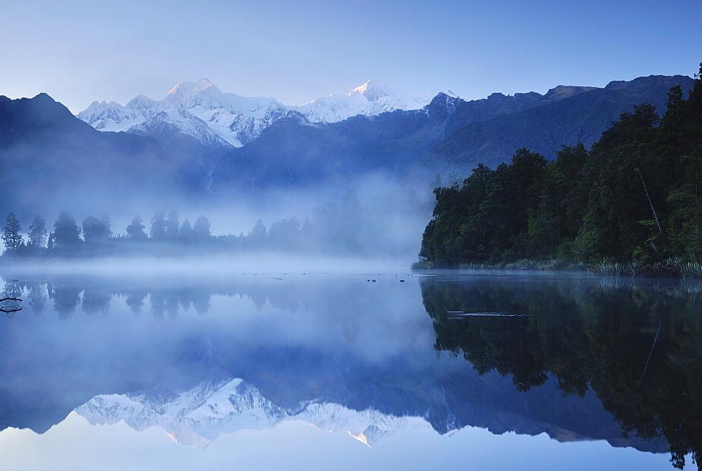 Lake Matheson, Mount Tasman and Mount Cook, Westland Tai Poutini National Park, UNESCO World Heritage Site, West Coast, Southern Alps, South Island, New Zealand, Pacific
