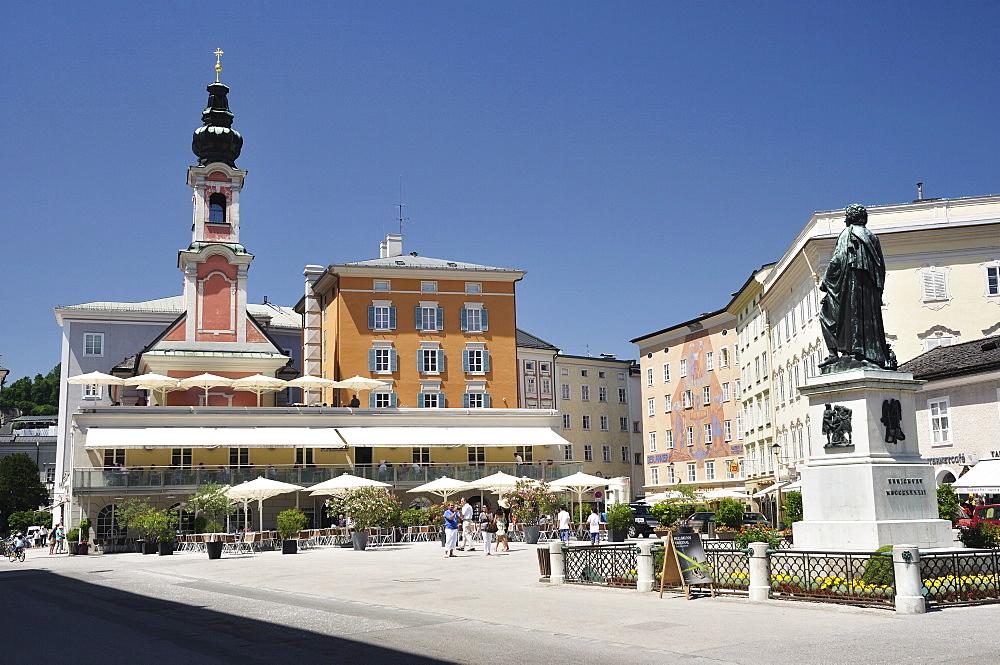 Mozart Monument, Mozartplatz, Salzburg, Austria, Europe