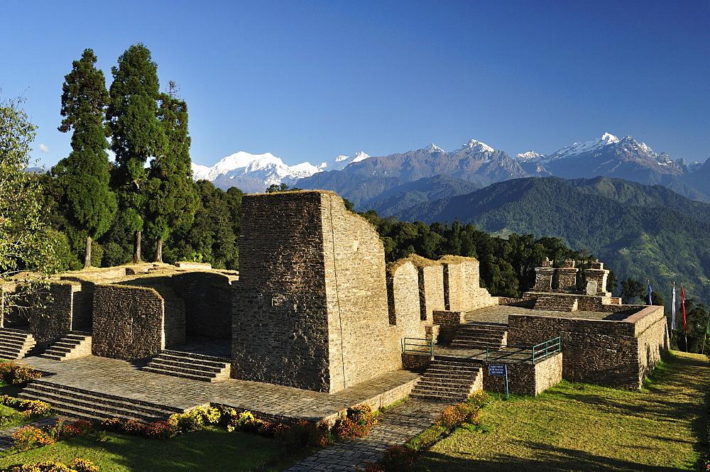 Rabdentse ruins and Kangchenjunga, Pelling, West Sikkim, Sikkim, India, Asia