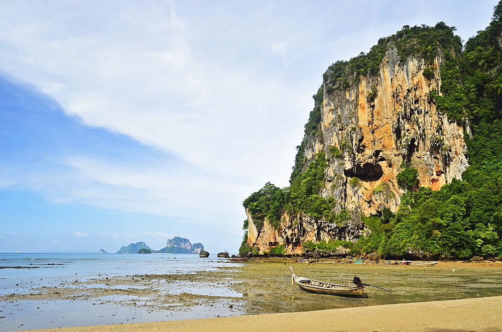 Ton Sai Bay, Rai Leh (Railay), Andaman Coast, Krabi Province, Thailand, Southeast Asia, Asia