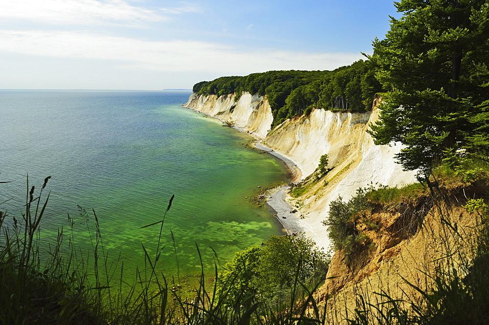 Chalk cliffs, Jasmund National Park, Ruegen Island (Rugen Island), Mecklenburg-Vorpommern, Germany, Baltic Sea, Europe
