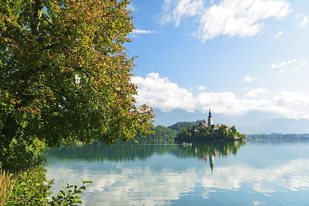 Lake Bled (Blejsko jezero), Bled, Julian Alps, Slovenia, Europe - 756-2744