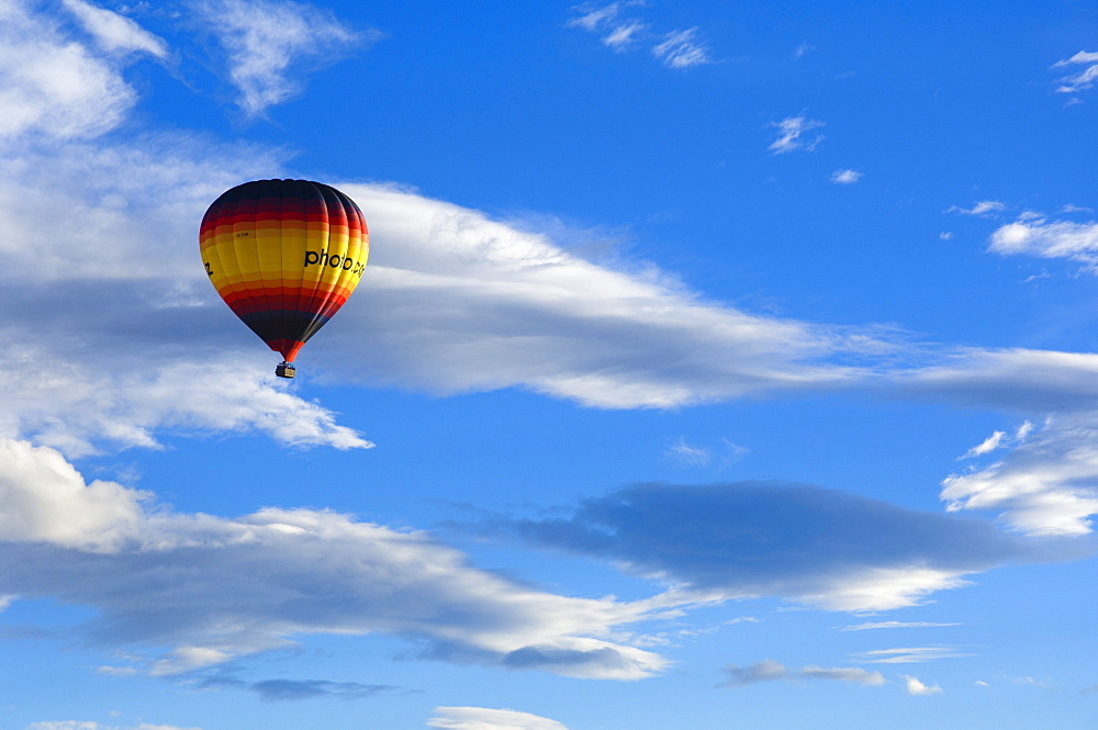 Hot air balloon, Christchurch, Canterbury, South Island, New Zealand, Pacific - 756-292