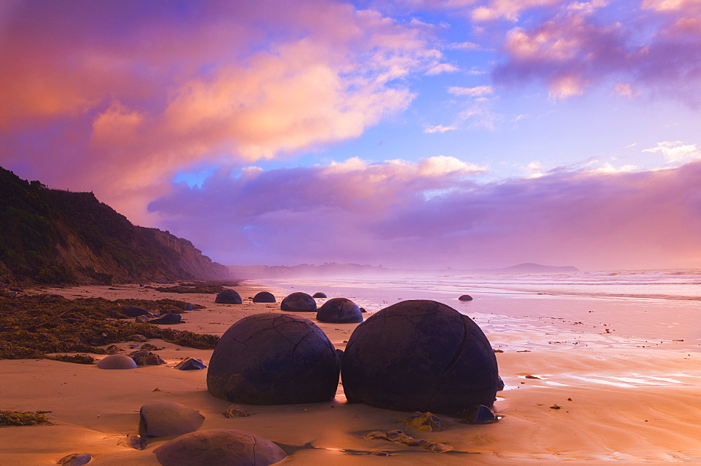 Moeraki Boulders, Moeraki, Otago, South Island, New Zealand, Pacific - 756-321