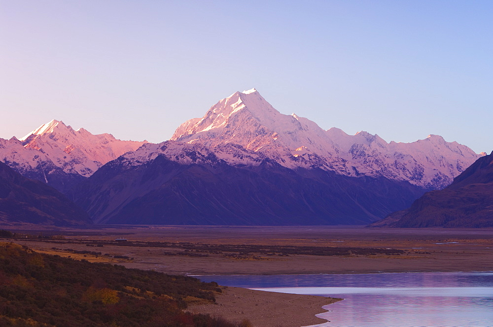 Lake Pukaki and Mount Cook, Southern Alps, Canterbury, South Island, New Zealand, Pacific