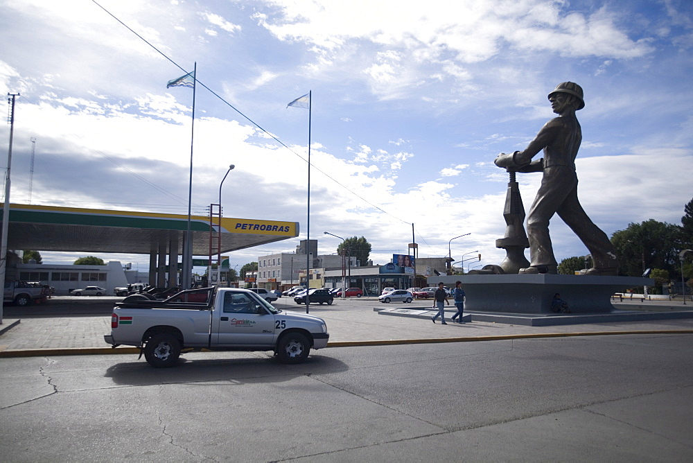 Statue honoring the oil industry and workers of Argentina, Caleta Olivia, Santa Cruz, Argentina, South America