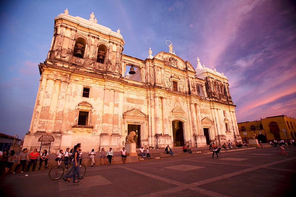 Basilica Catedral de la Asuncion, Leon, Nicaragua, Central America