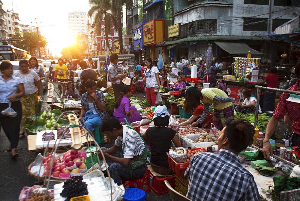 Street market, Yangon (Rangoon), Myanmar (Burma), Asia