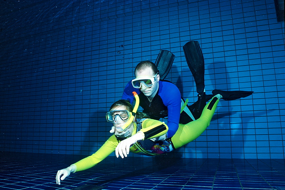 scuba diving lessons in a swimming pool, recovery, Germany, Munich, Olympiabad