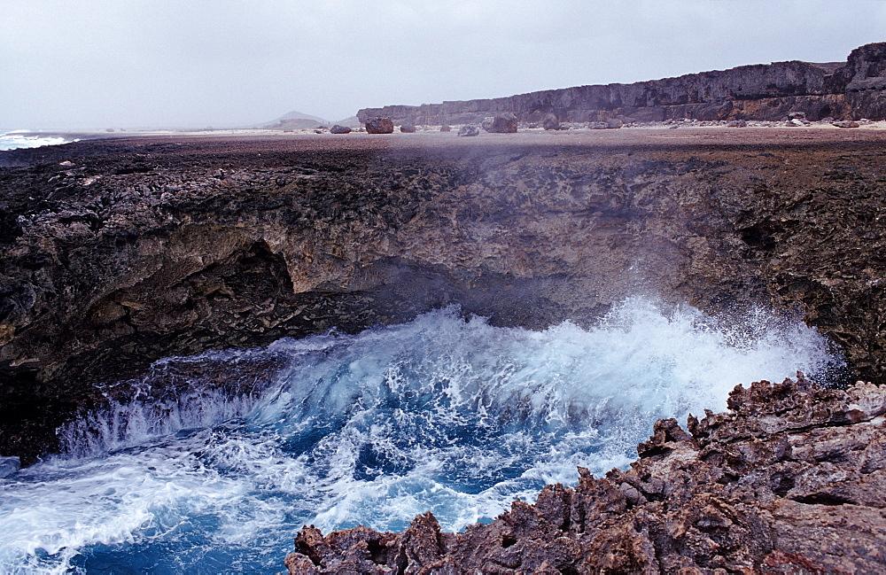 Surging billows, Netherlands Antilles, Bonaire, Caribbean Sea, Washington Slagbaai National Park, Suplad—