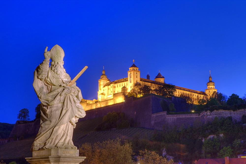 Statue on Old Main Bridge and Fortress Marienberg, Wuerzburg, Franconia, Bavaria, Germany