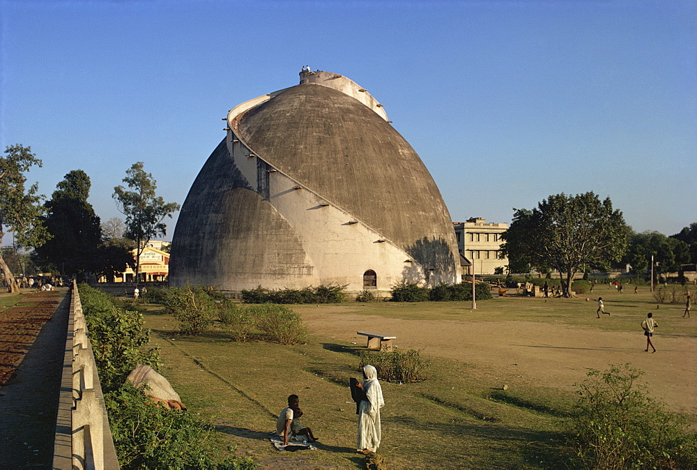 Granary built in the 18th century, Patna, Bihar state, India, Asia - 76-1030