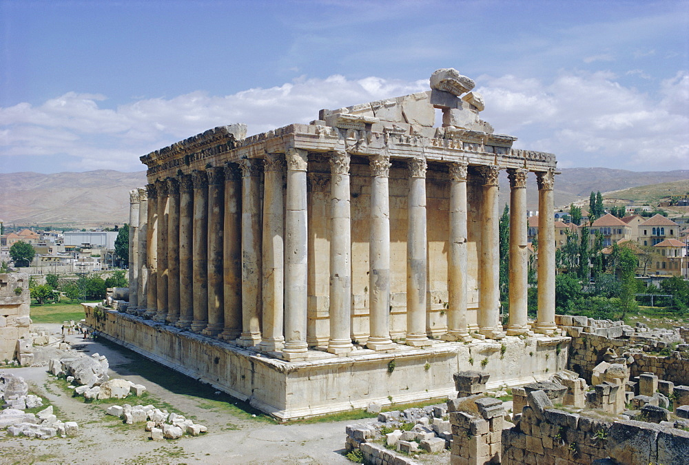 Temple of Bacchus, Baalbek, Lebanon, Middle East - 76-2100