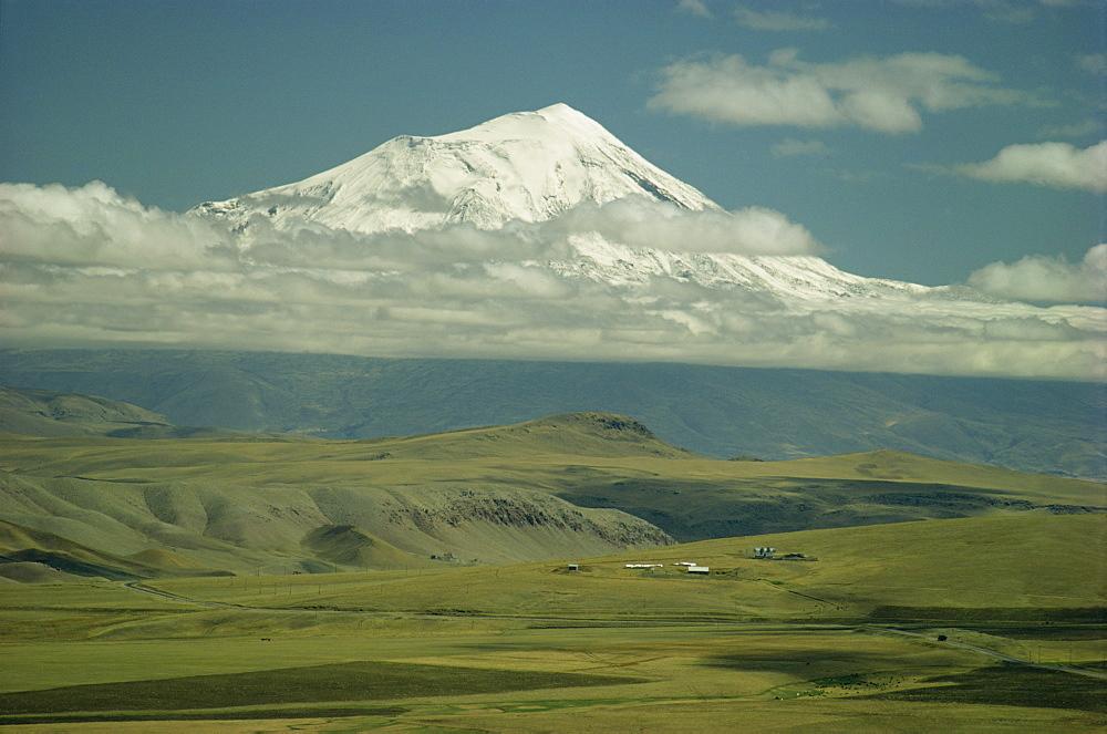 Mount Ararat, Anatolia, Turkey, Asia Minor, Eurasia - 76-3906