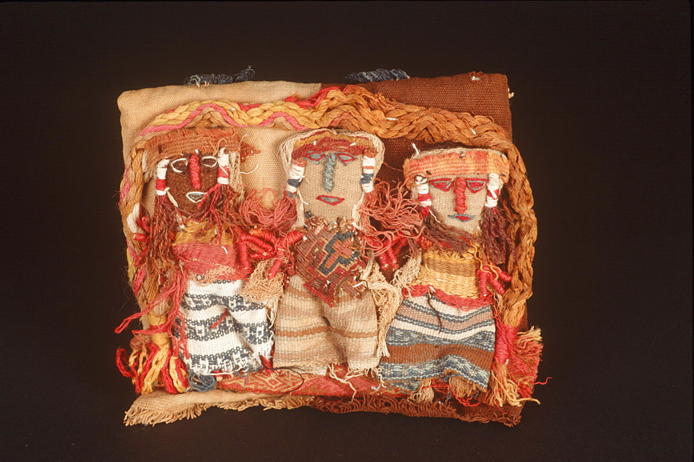 14th-15thC Incan woven textile dolls used as grave offerings, Peru