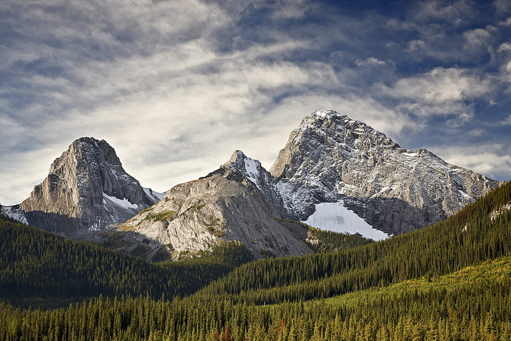 Alpine scene in the fall with Smutts Creek, Commonwealth Peak on left, Pigs Tail (Sharks Tooth) in the center and Mount Birdwood on the right, Peter Lougheed Provincial Park, Kananaskis Country, Alberta, Canada, North America