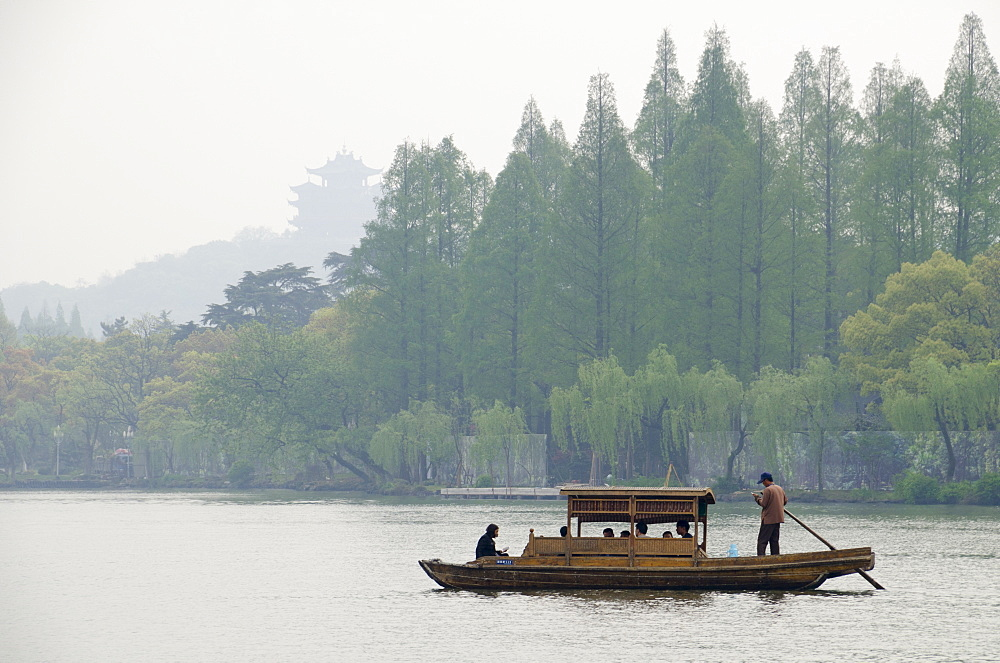 West Lake, Hangzhou, Zhejiang province, China, Asia - 767-1229
