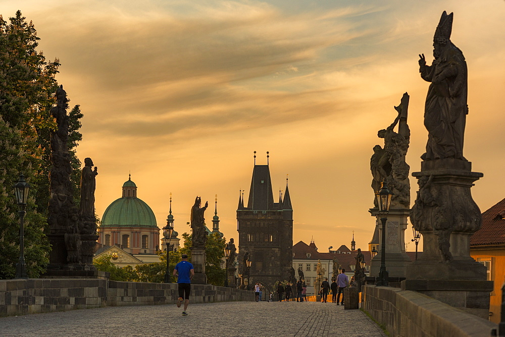 Charles Bridge, Prague, UNESCO World Heritage Site, Czech Republic, Europe