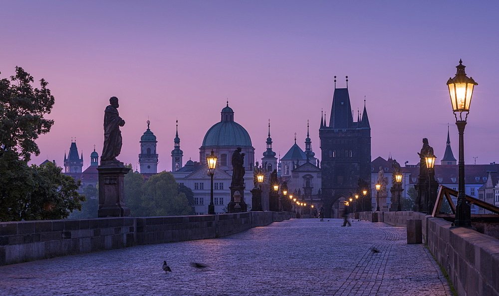 Charles Bridge, Prague, UNESCO World Heritage Site, Czech Republic, Europe - 767-1356