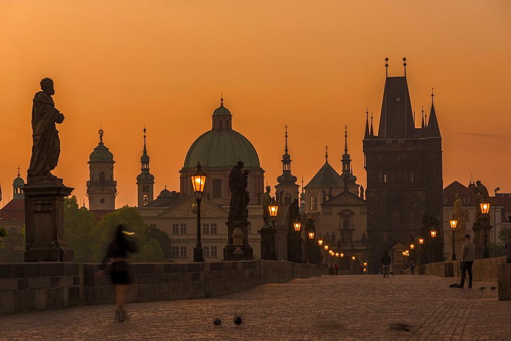 Charles Bridge, Prague, UNESCO World Heritage Site, Czech Republic, Europe - 767-1357