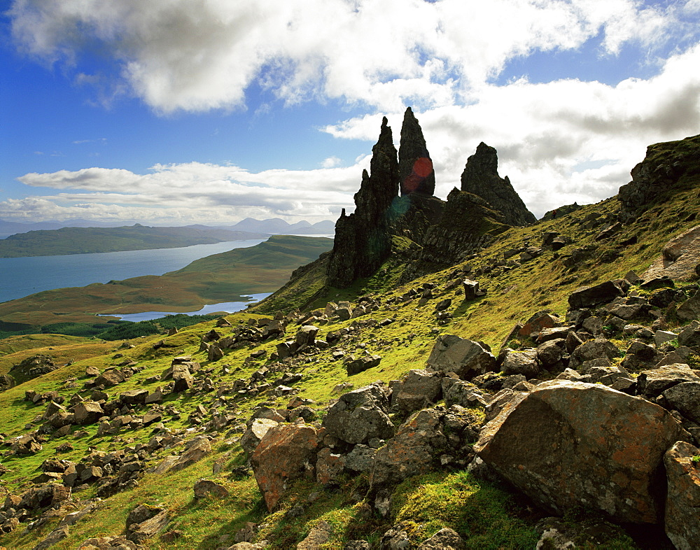 The Old Man of Storr, overlooking Loch Leathan and Raasay Sound, Trotternish, Isle of Skye, Scotland, United Kingdom, Europe