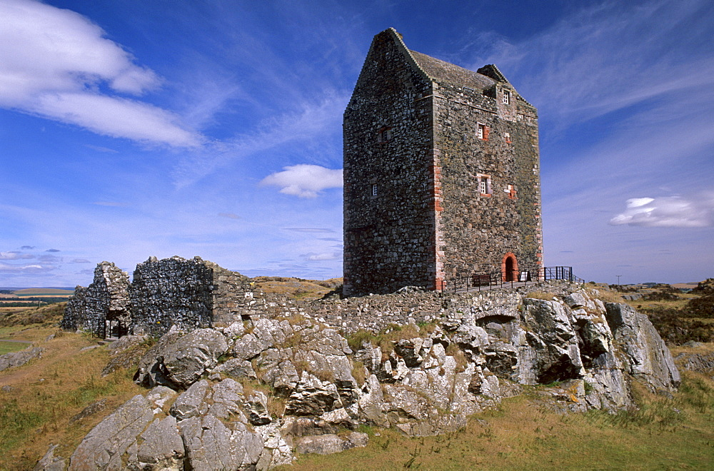 Smailholm Tower dating from the 16th century near Kelso, Roxburghshire, Scottish Borders, Scotland, United Kingdom, Europe