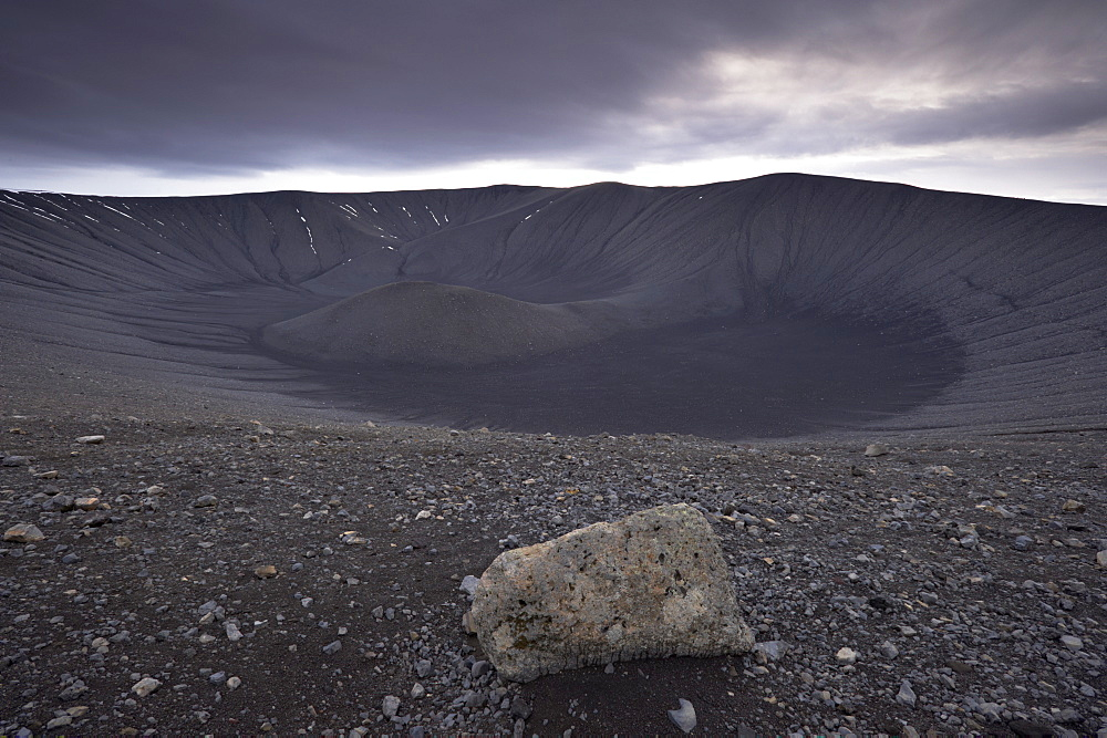 Volcanic ash (tephra) crater Hverfjall (Hverfell), 140m deep, more than 1 km across, at Myvatn, northern Iceland, Iceland, Polar Regions