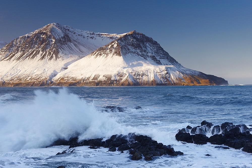 View across Njardvik Bay, with Tdarfjall and Skjaldarfjall mountain tops visible, Borgarfjordur Eystri fjord, East Fjords area, Iceland, Polar Regions - 770-1302