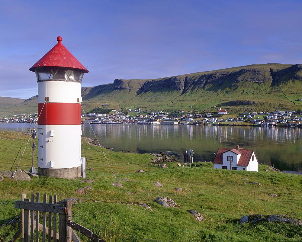 Tvoroyri village and lighthouse, Suduroy, Suduroy Island, Faroe Islands (Faroes), Denmark, Europe