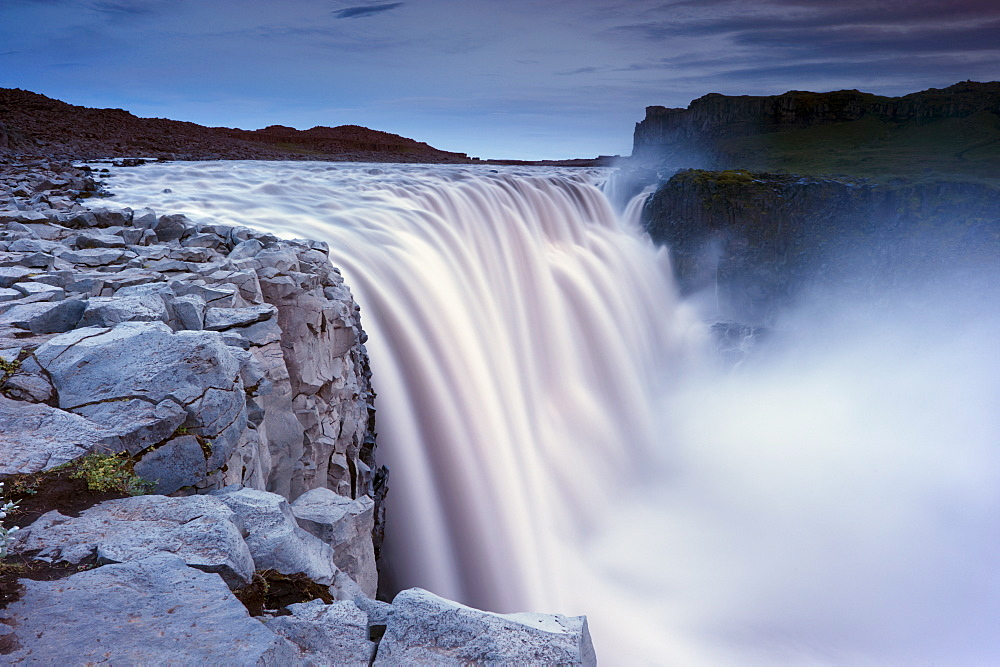 Dettifoss, largest waterfall in Europe at 45 m high and 100 m wide, Jokulsargljufur National Park, north Iceland (Nordurland), Iceland, Polar Regions - 770-1554