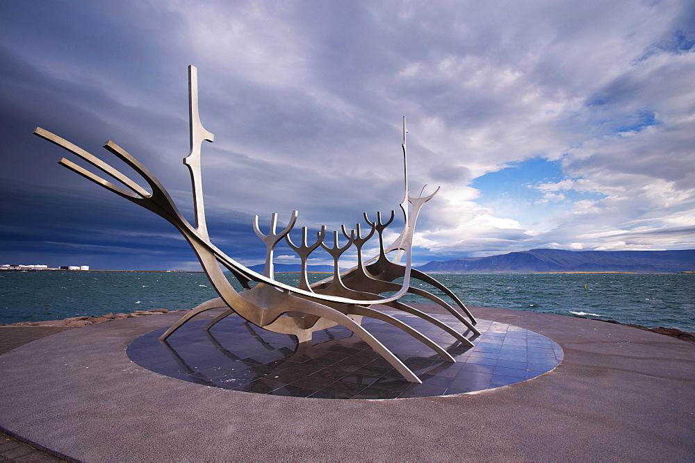 Solfar (Sun Voyager), iconic stainless-steel modern sculpture representing a Viking longboat by Jon Gunnar Arnason, Saebrot Avenue, Reykjavik, Iceland, Polar Regions - 770-1566