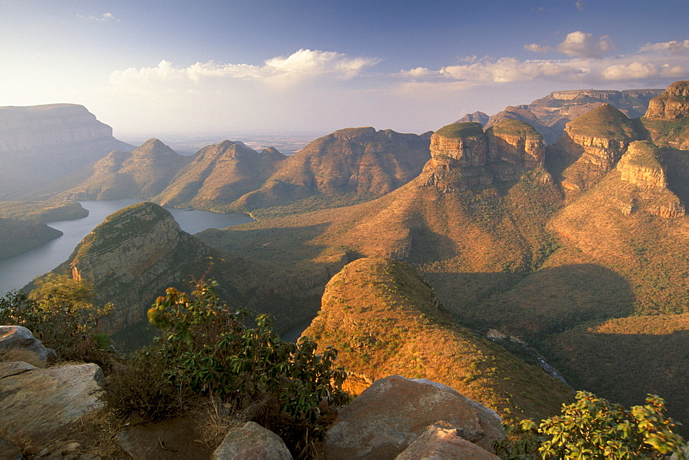 Blyde River Canyon and the three rondavels, Mpumalanga, South Africa, Africa - 770-1703