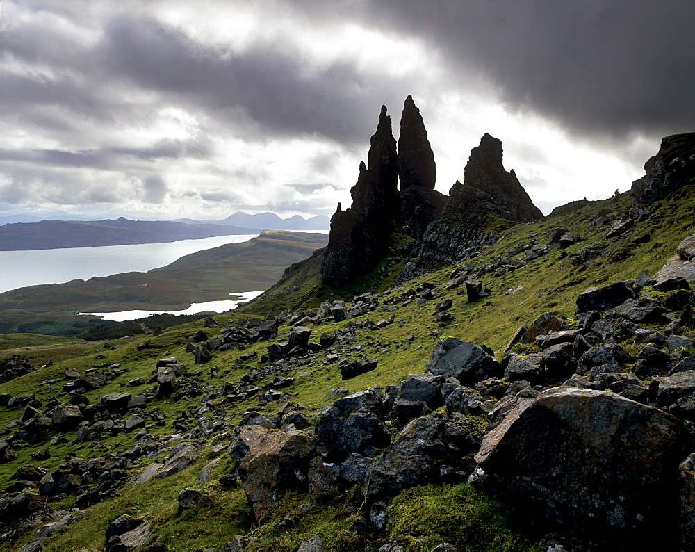The Old Man of Storr, overlooking Loch Leathan and Raasay Sound, Trotternish, Isle of Skye, Inner Hebrides, Highland region, Scotland, United Kingdom, Europe